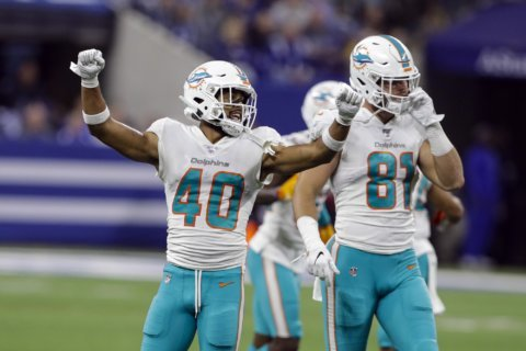 Make it 2 in a row – takeaways help Dolphins' turnaround