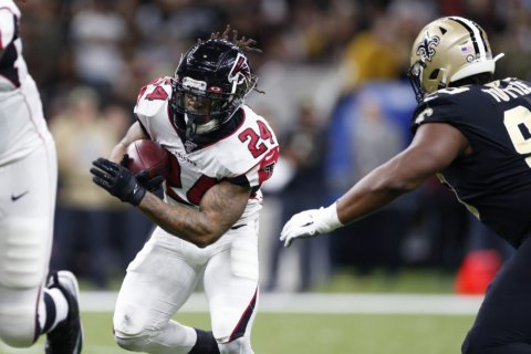 Falcons rule out RB Freeman (foot), TE Hooper (knee)
