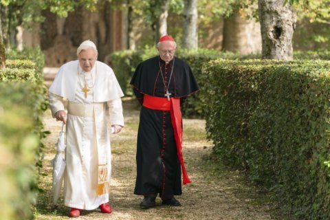 Movie Review: Anthony Hopkins, Jonathan Pryce shine in 'The Two Popes'