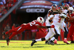 <p><b><i>Cardinals 27</i></b><br /> <b><i>Bucs 30</i></b></p> <p>The Bucs defense ended Kyler Murray&#8217;s NFL rookie record streak of 211 straight passes without a pick and the run game was solid … but Jameis Winston reiterated why he&#8217;s never to be trusted in fantasy football.</p>