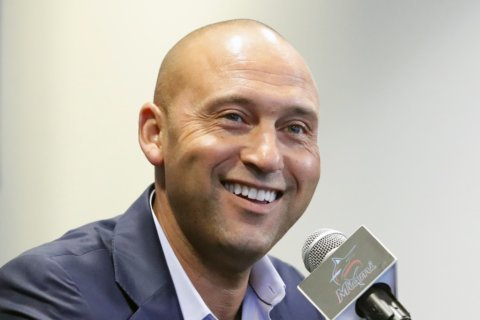 Derek Jeter among 18 newcomers on Hall of Fame ballot