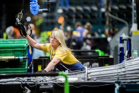 GM strike pushes industrial production down 0.8% last month