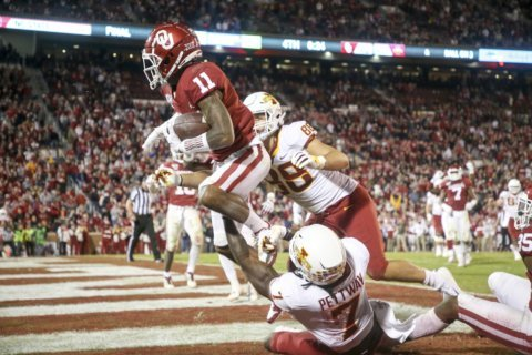 No. 10 Oklahoma looks to get defense on track against Baylor