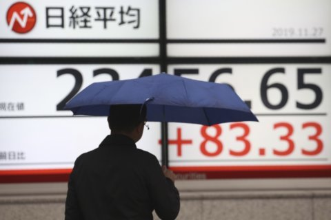 World markets mostly rise on trade optimism