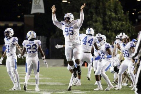 Kentucky pounds Vanderbilt to keep bowl hopes alive
