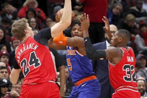 White shines as Bulls beat Knicks 120-102