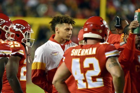 Chiefs' Mahomes to start against Titans, barring setbacks