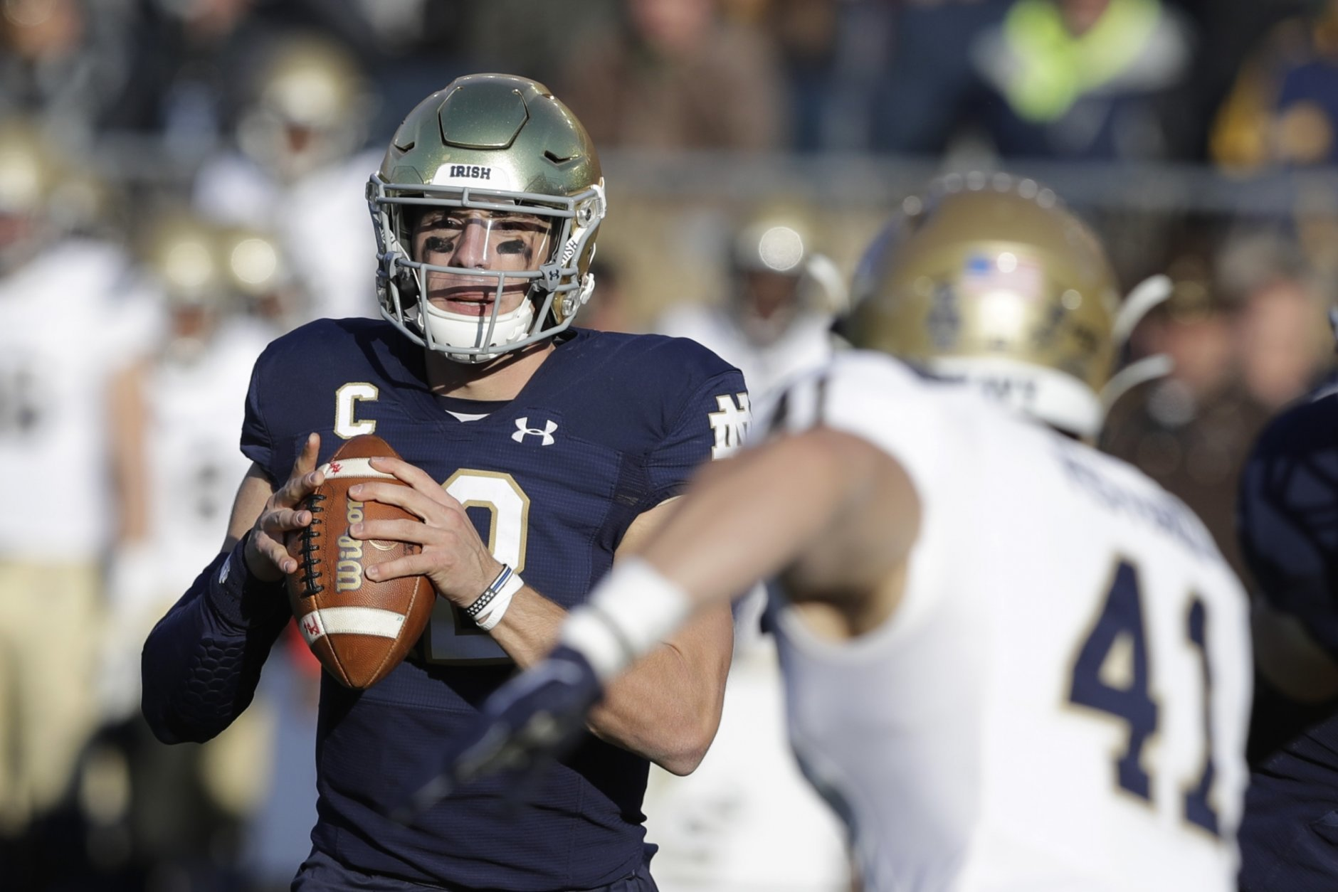 Claypool Catches 4 Tds As No 16 Notre Dame Rout Navy 52 20 Wtop