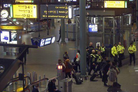 Airline says Dutch plane alert was false alarm