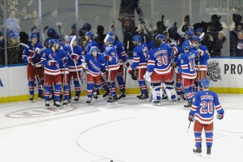 Kakko scores 2, lifts Rangers past Penguins 3-2 in OT