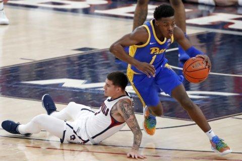 Pitt pulls away from Robert Morris 71-57
