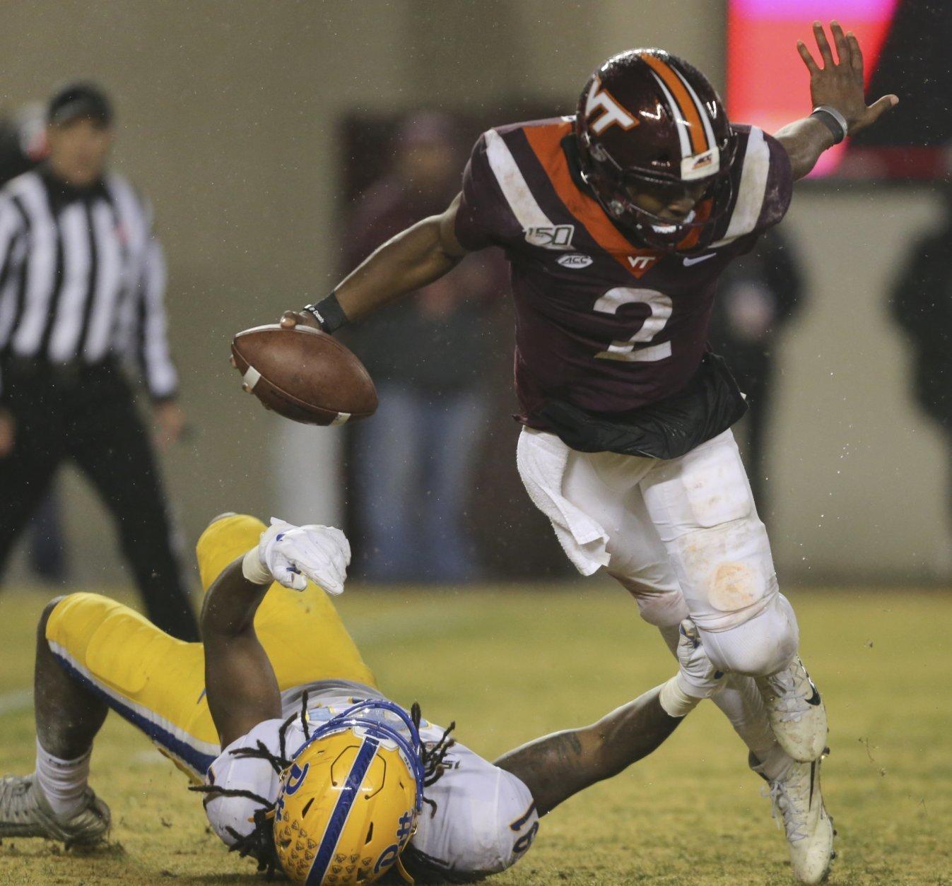 Hooker S 2 Td Passes Lead No 25 Virginia Tech Over Pitt Wtop