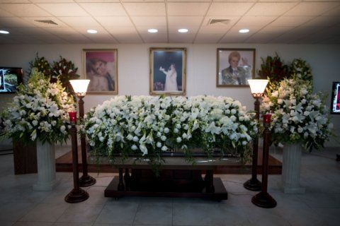 Fans say farewell to legendary Puerto Rico astrologer