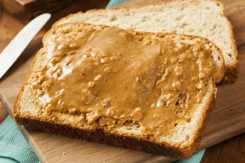 An injection could someday keep peanut allergies at bay for up to six weeks, study says