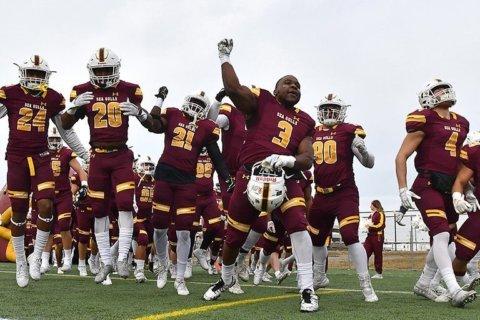 Salisbury University football shuts out SUNY Maritime 83-0