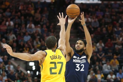 Towns hits 7 3-pointers, Wolves beat Jazz without Wiggins