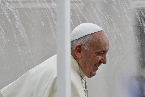 Pope blasts 'inhuman, un-Christian' rebirth of anti-Semitism