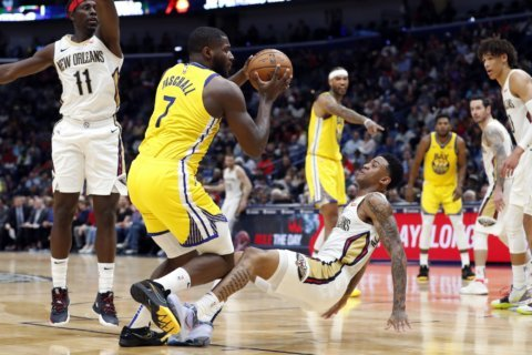 Redick scores 26, Pelicans top reeling Warriors 108-100