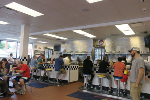 Bob & Edith's Diner wants to franchise nationally