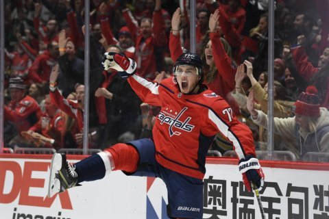 T.J. Oshie scores twice, Capitals beat Bruins _ again