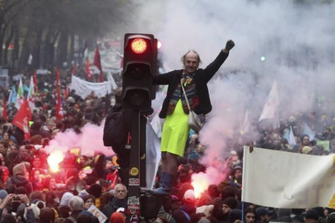 Young and old march in unity, fear at French pension change