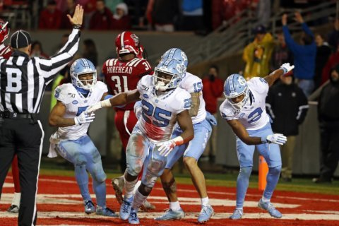 North Carolina faces Temple in Military Bowl