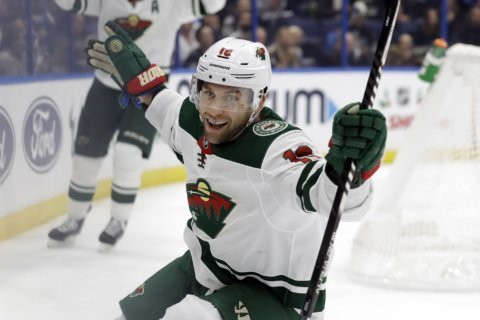 Zuccarello leads streaking Wild to 5-4 win over Lightning
