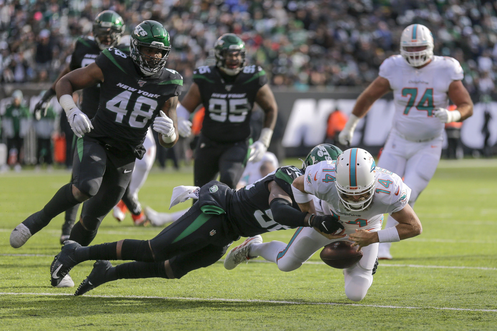 """<p><em><strong>Dolphins 21</strong></em><br /> <em><strong>Jets 22</strong></em></p> <p>Miami is learning what seven other teams already learned the hard way: When <a href=""""https://www.miamidolphins.com/news/top-news-ryan-fitzpatrick-feeling-better-than-ever"""" target=""""_blank"""" rel=""""noopener"""">Ryan Fitzpatrick feels good</a>, that can only be good for the opposition.</p>"""