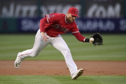 Giants add infielder Cozart, prospect in trade with Angels