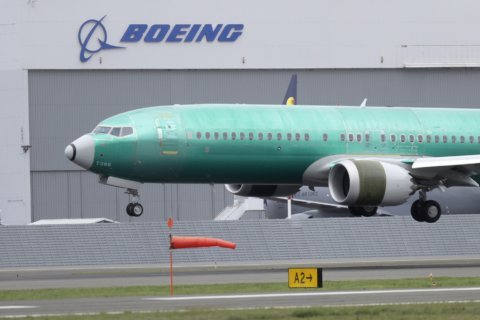 Boeing tries to reassure airline industry leaders about Max