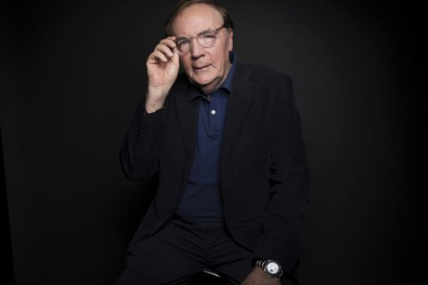 Booksellers get holiday bonuses from James Patterson