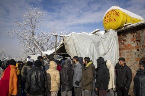 Bosnia to close makeshift migrant camp on Croatia's border