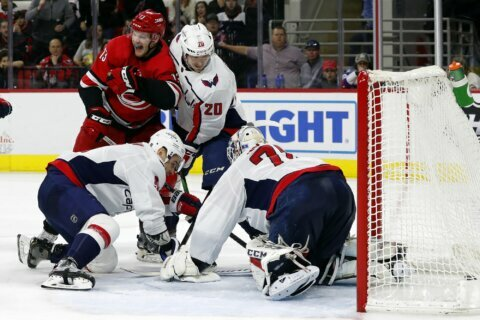 Foegele, Hurricanes stay hot against Capitals in 6-4 win