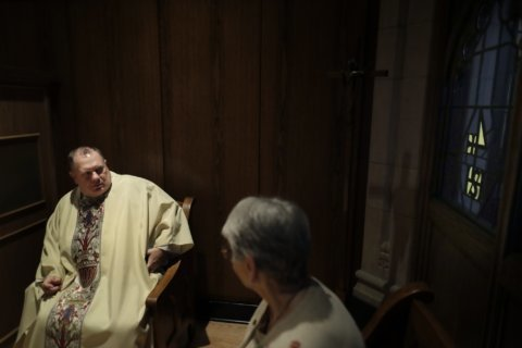US Catholic priests beset by overwork, isolation, scandals