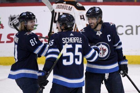 Mark Scheifele scores twice, Jets beat Ducks 3-2