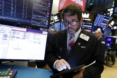 Stocks close broadly lower on Wall Street; trade in focus