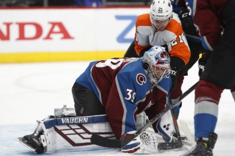 Rantanen scores twice, Avalanche beat Flyers 3-1