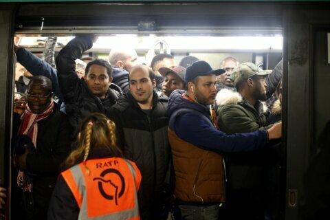 France on strike: Power cuts, schools shut, no Eiffel Tower