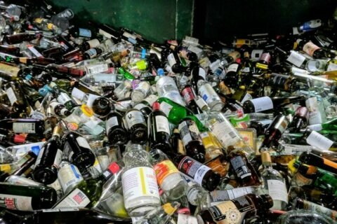 Arlington Co. residents drop off 1 million pounds of glass