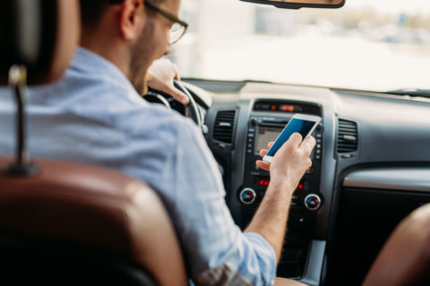 Richmond council backs ban on handheld cellphone use while driving