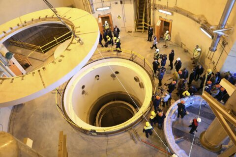 EU pressures Iran on atom deal in last-ditch bid to save it