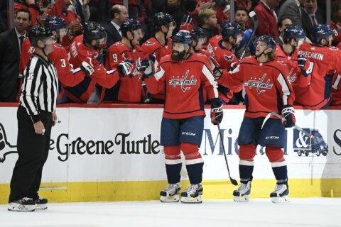 Third-period penalty kills help Capitals beat Lightning