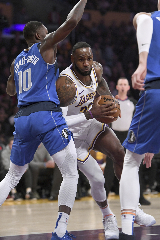 Lebron Reaches Assist Milestone As Lakers Beat Mavericks Wtop