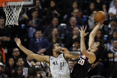 Mills hits winner, Spurs outlast Suns in record-setting OT
