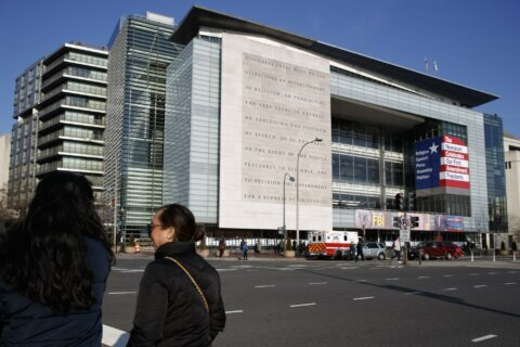 Newseum hailed free press, but got beaten by free museums