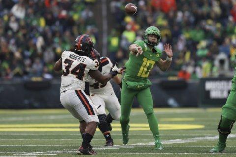 Oregon QB Herbert wins Campbell Trophy, top scholar-athlete
