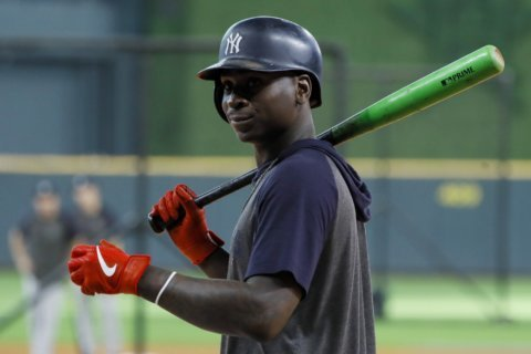 AP source: Gregorius, Phillies agree to $14M, 1-year deal