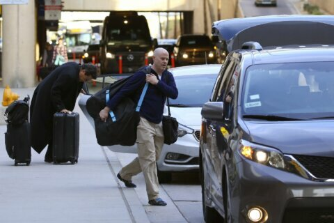 Uber vows to stop airport service after Phoenix raises fees