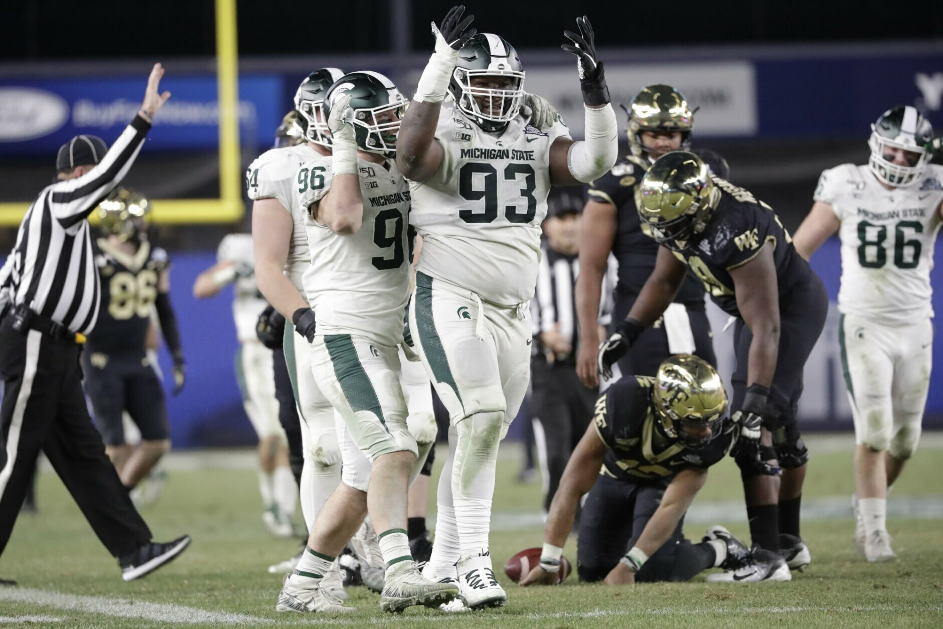 Michigan State Beats Wake Forest 27 21 In Pinstripe Bowl Wtop