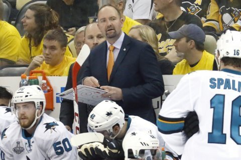 San Jose Sharks fire coach Peter DeBoer